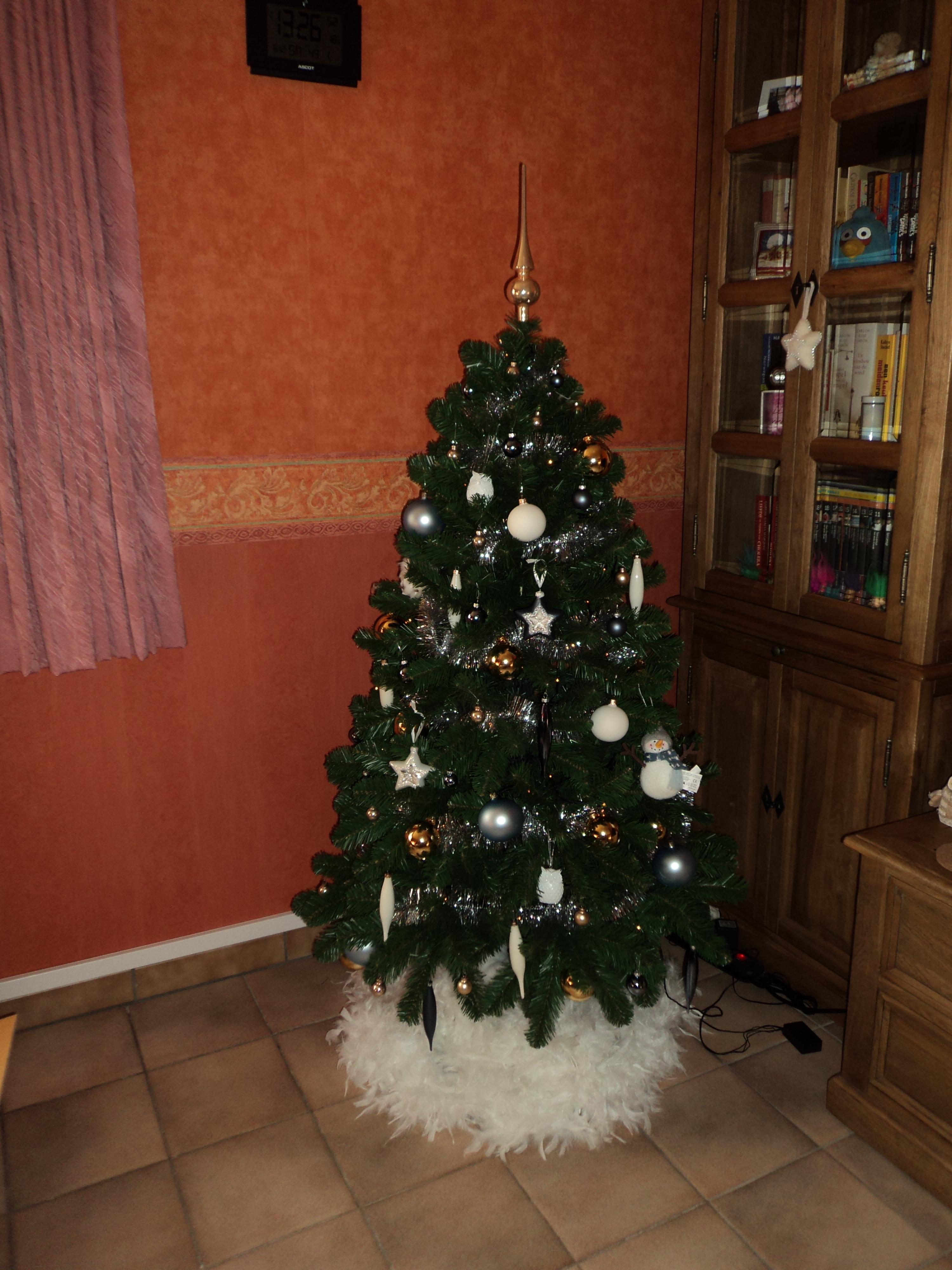 Onze Eerste Kerstboom Sandra Beleeft